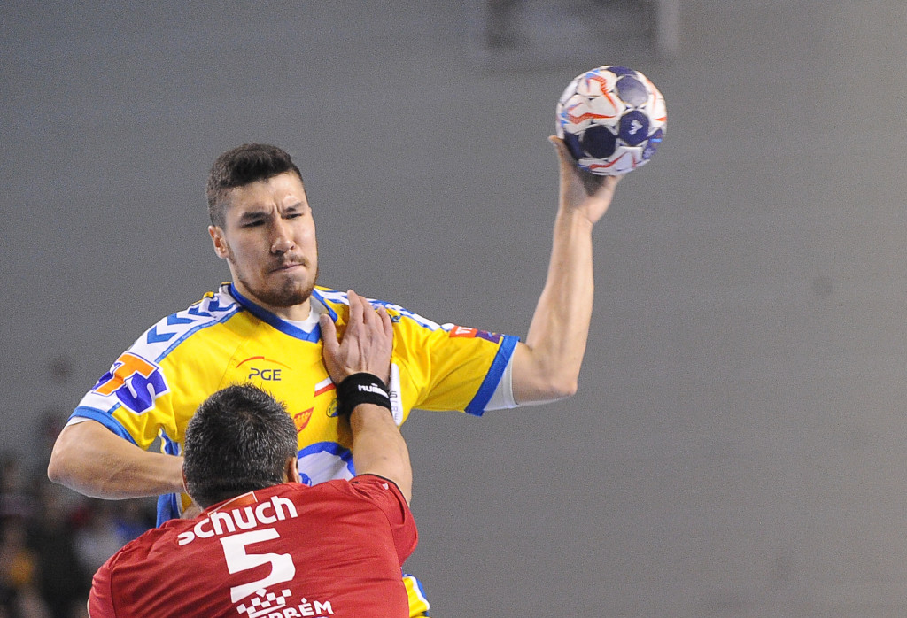 2017.10.15 Kielce Pilka reczna Liga Mistrzow Sezon 2017/2018 PGE VIVE Kielce - Telekom Veszprem N/z Alex Dujshebaev Foto Lukasz Sobala / Press Focus 2017.10.15 Kielce Handball Polish EHF Men's Champions League Season 2017/2018 PGE VIVE Kielce - Telekom Veszprem Alex Dujshebaev Credit: Lukasz Sobala / Press Focus