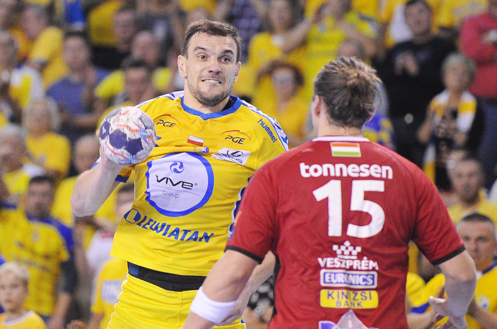 2017.10.15 Kielce Pilka reczna Liga Mistrzow Sezon 2017/2018 PGE VIVE Kielce - Telekom Veszprem N/z Michal Jurecki Foto Lukasz Sobala / Press Focus 2017.10.15 Kielce Handball Polish EHF Men's Champions League Season 2017/2018 PGE VIVE Kielce - Telekom Veszprem Michal Jurecki Credit: Lukasz Sobala / Press Focus
