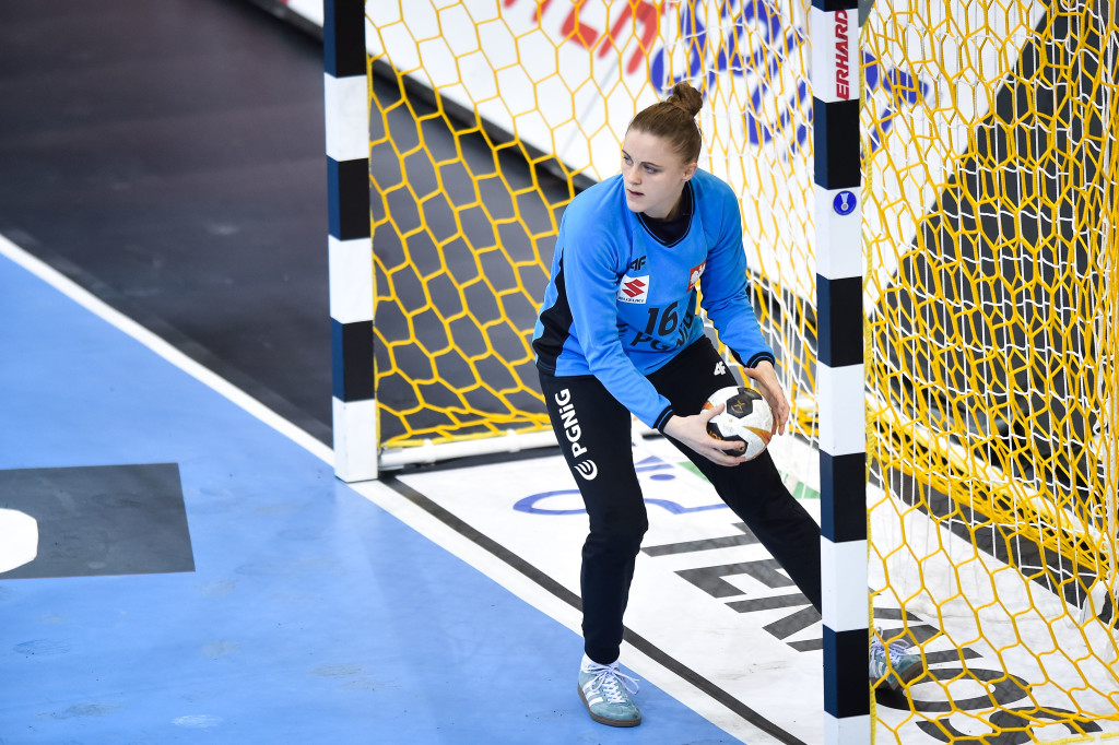 Handball - IHF Women's Handball World Championship - Sweden v Poland - Bietigheim-Bissingen , Germany, 2 December 2017