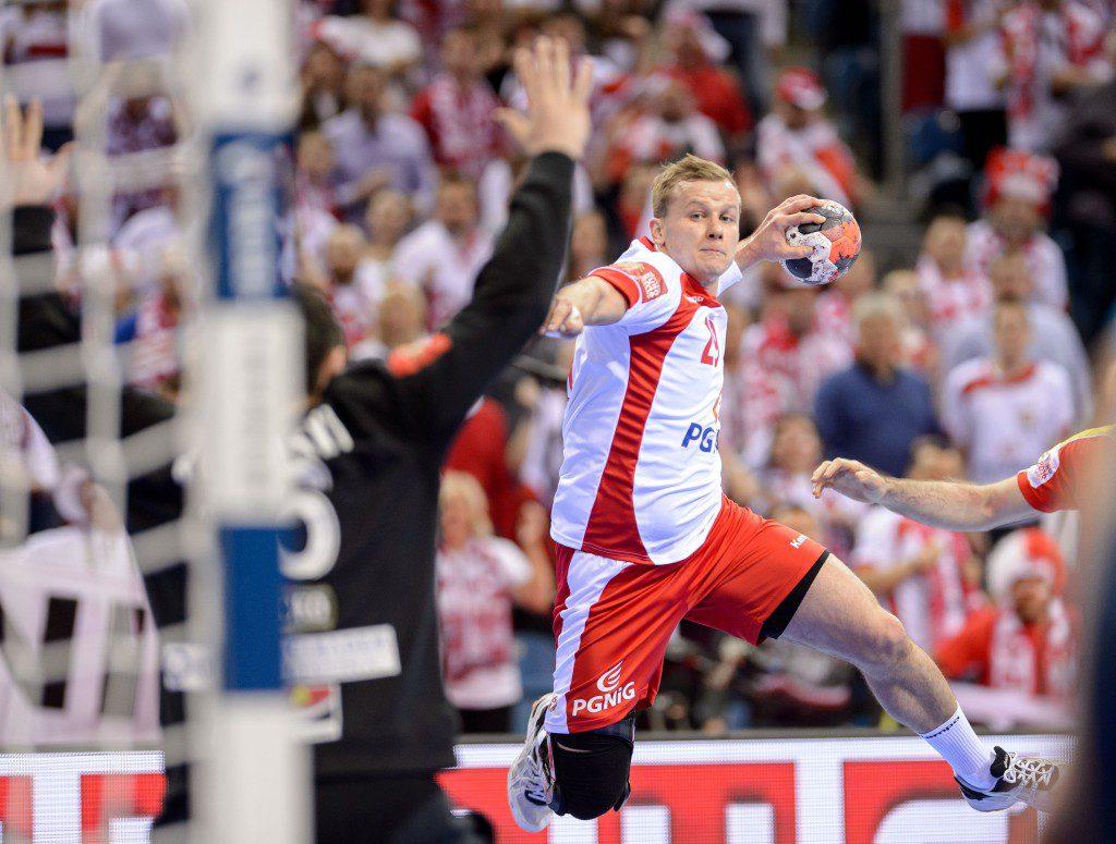 2016.01.17 KRAKOW TAURON KRAKOW ARENA 12TH MEN'S EUROPEAN HANDBALL CHAMPIONSHIP EHF EURO 2016 GROUP A MATCH MACEDONIA VS POLAND JAKUB LUCAK MISTRZOSTWA EUROPY W PILCE RECZNEJ MEZCZYZN POLSKA 2016 FAZA GRUPOWA MECZ GRUPY A MACEDONIA - POLSKA N/Z JAKUB LUCAK FOTO RAFAL OLEKSIEWICZ / PRESSFOCUS