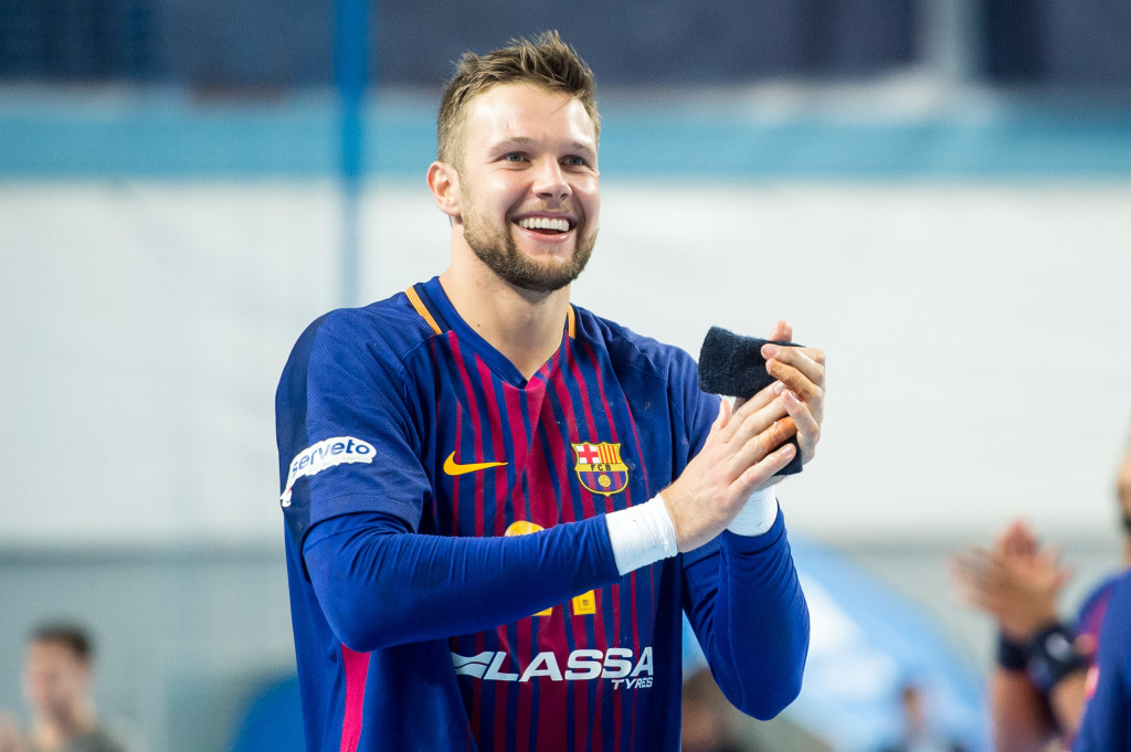 20171001, Plock, Orlen Arena, Pilka reczna mezczyzn, EHF Liga Mistrzow sezon 2017/2018 Mecz Orlen Wisla Plock - FC Barcelona N/z Kamil Syprzak Fot Rafal Oleksiewicz / PRESSFOCUS 20171001, Plock, Orlen Arena, 2017/2018 EHF Men's Champions League Group Phase Match Orlen Wisla Plock - FC Barcelona Kamil Syprzak Credit Rafal Oleksiewicz / PRESSFOCUS