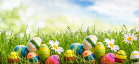 Zawodnicy i trenerzy składają Wielkanocne życzenia.