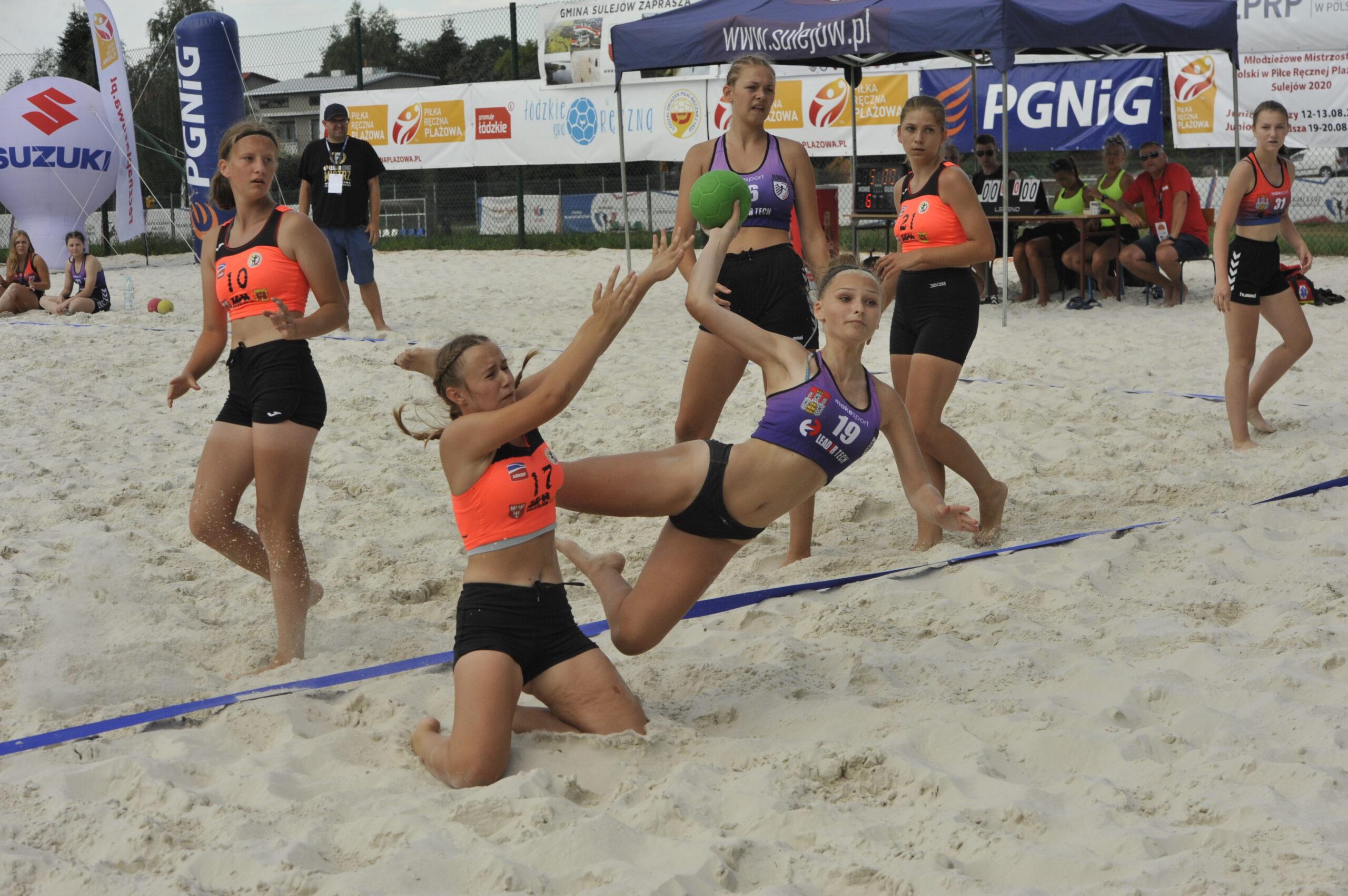 Mistrzostwa Polski Juniorek Młodszych w piłce ręcznej plażowej / Sulejów / 19-20.08.2020